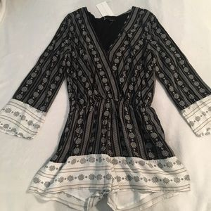 LF INSPIRED Long Sleeve Printed Romper new w/ tags